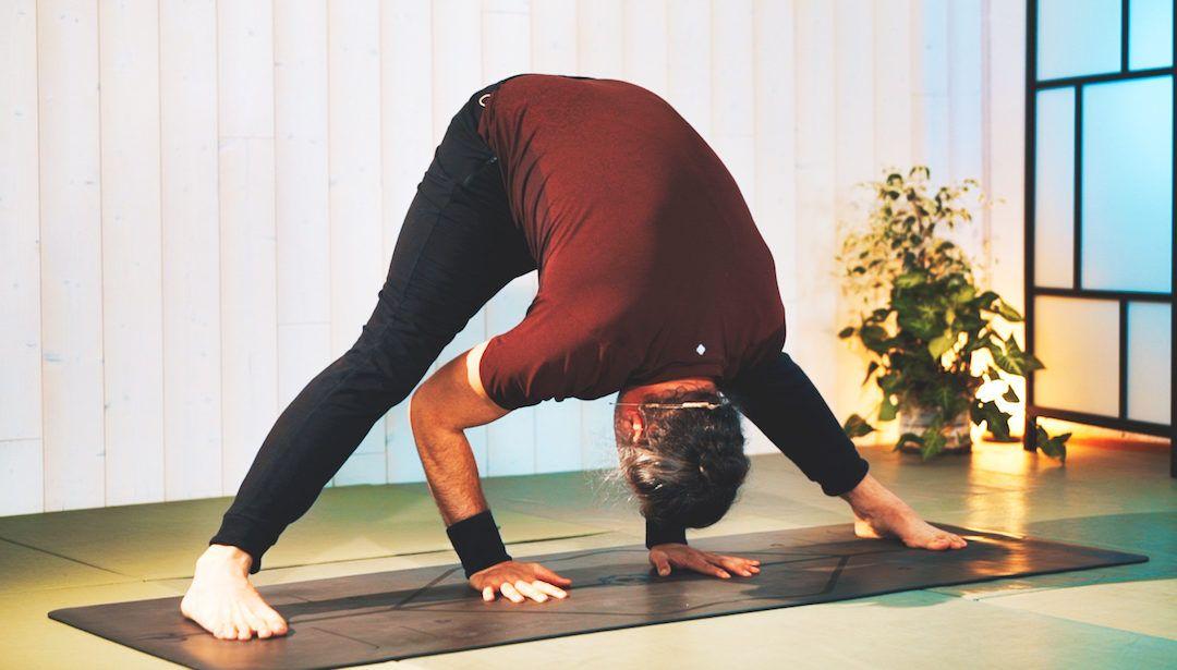 Vinyasa Yoga para la cadena posterior de las piernas