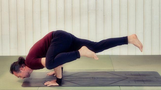 Vinyasa Yoga para lo brazos y hombros