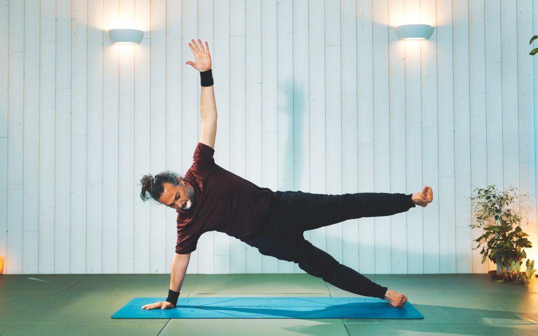Vinyasa yoga para estabilidad lateral